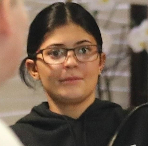 Kylie Jenner No Makeup, One Of The Hot Topics