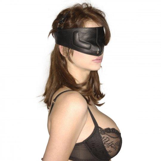 Upper face kinky leather mask