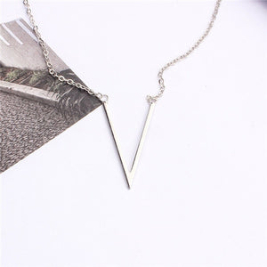 Poputton Silver Gold Color V Letter Necklace for women Jewerly Simple Female Pendant Necklace with Letter Collier Femme 2018
