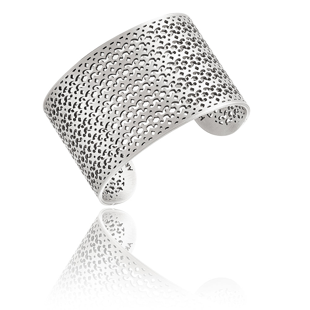 Strength Wide Cuff