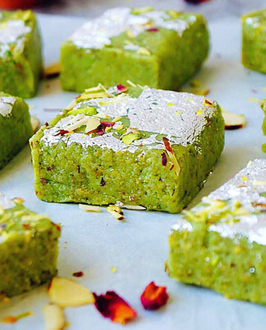 Ghiya Barfi / Lauki / Bottle Gourd Fudge (with Pista)