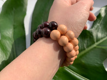 Load image into Gallery viewer, Garnet Healing Crystal Gemstone & Sandalwood Beads Bracelet