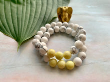 Load image into Gallery viewer, Howlite & Yellow Jasper Healing Crystal Bracelet