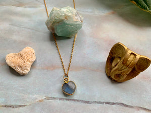 Dainty Labradorite Healing Crystal Gemstone Gold Filled Necklace