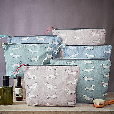 Dachshund Fabric Wash Bag - Bottle Green Homes  - 1