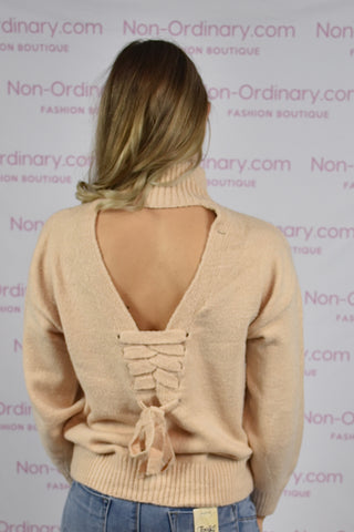 COZY SWEATER WITH OPEN BACK