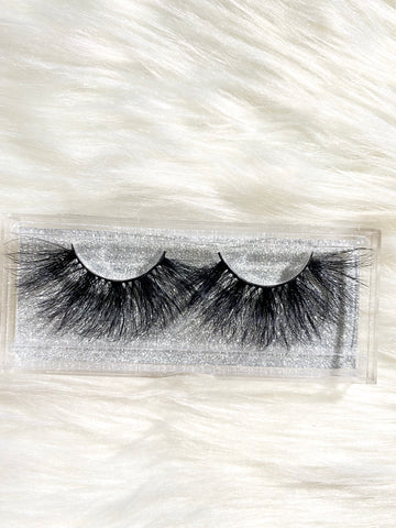 """Rich"" Mink Lashes - Officially Conceited"