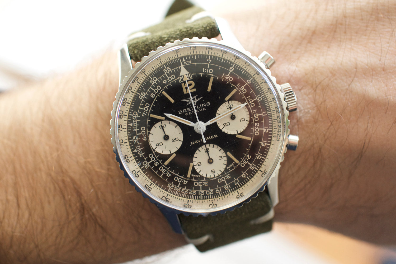 Hands-On: Vintage Breitling 806 Navitimer Review