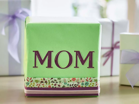 Mom Mother's Day gift wrapping
