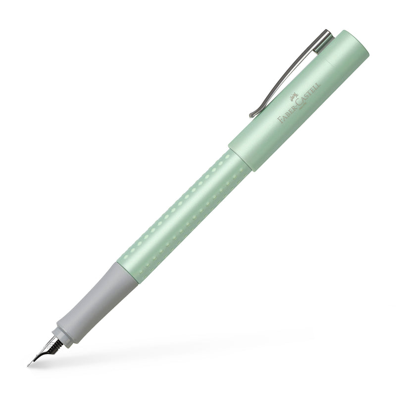 Grip 2011 Fountain Pen, M - Pearl Mint Green - #140984