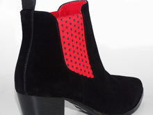 Load image into Gallery viewer, Chelsea Boots - Women's Graceful - Ladybird