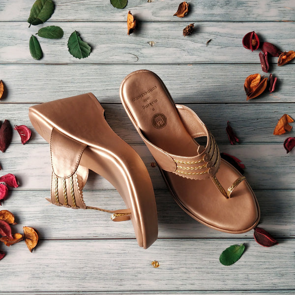CONSTELLATION ROSE GOLD KOLHAPURI WEDGES