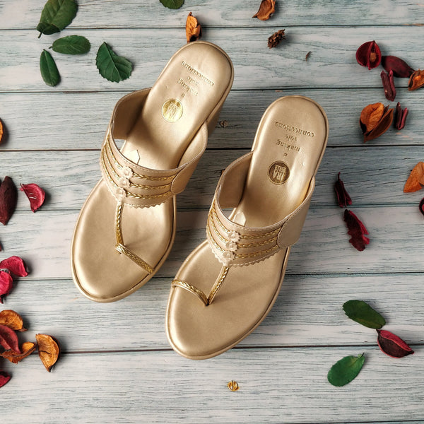 CONSTELLATION GOLD KOLHAPURI WEDGES