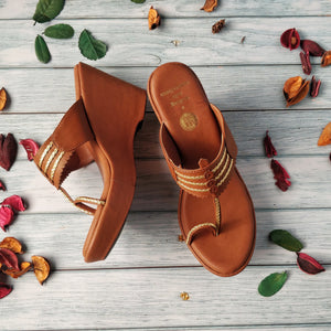 CONSTELLATION TAN KOLHAPURI WEDGES