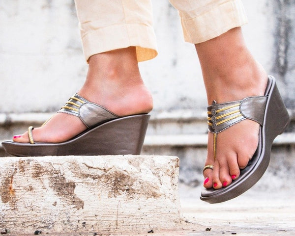 CONSTELLATION SILVER KOLHAPURI WEDGES