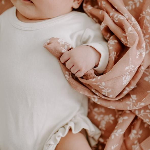 The Mini Scout | Swaddle | Bloom | Sienna | White Fox & Co