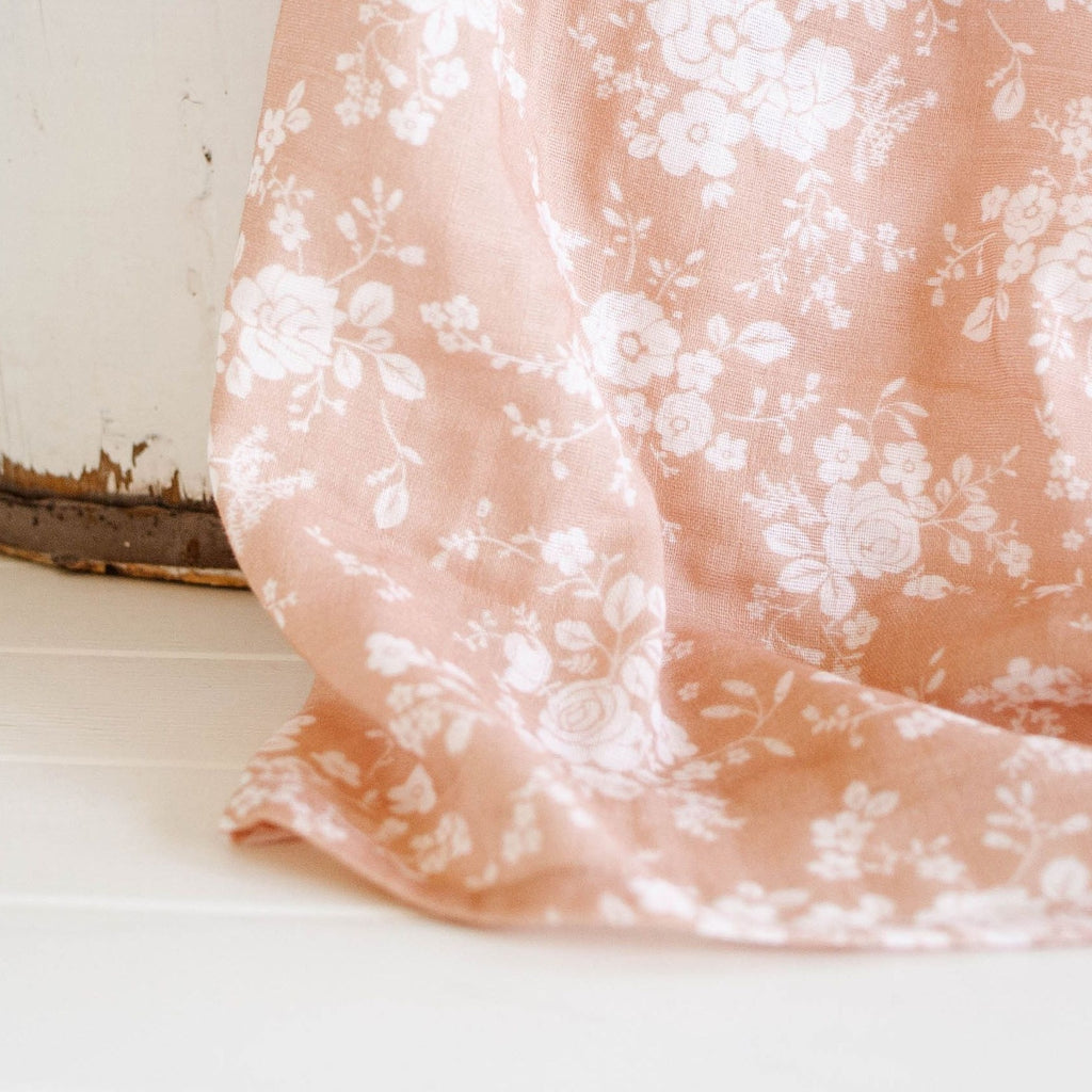 The Mini Scout | Swaddle | Vintage Bouquet | Peach | White Fox & Co