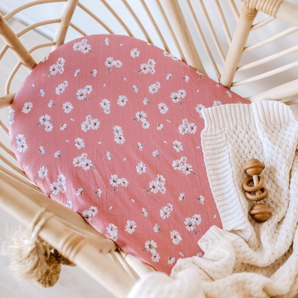 Snuggle Hunny Kids | Daisy Bassinet Sheet | White Fox & Co