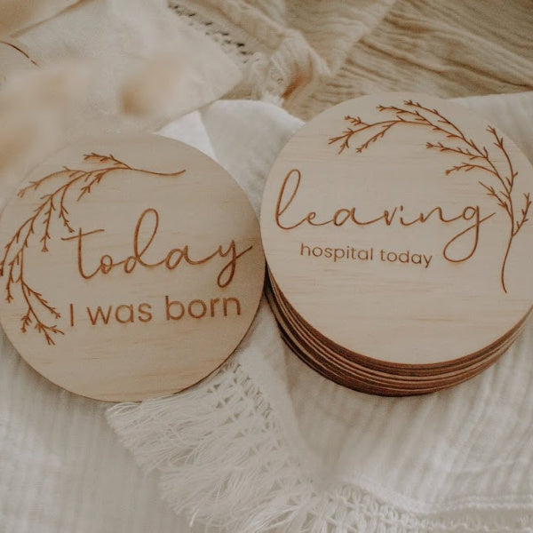 Wooden Month Hello Fern | Milestone Discs | Whimsical | White Fox & Co