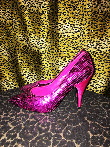 Vintage Wild Pair Hot Pink Sequin/Satin Pumps (Size 8)