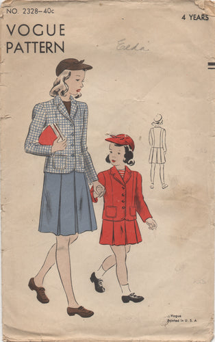 1940's Vogue Child's suit with short Skirt - Chest 23