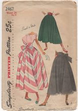 "1940's Simplicity Full Skirt with Bow Tie - Waist 24"" - No. 2467"