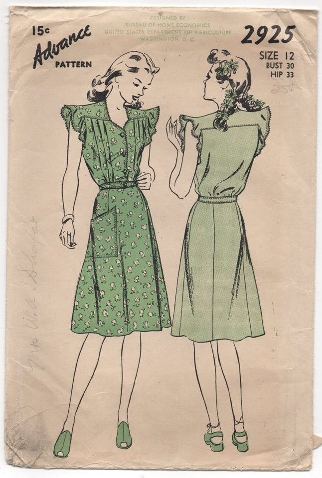 1940's Advance One Piece Dress with Tucked Blouse, Flutter Cap Sleeves and Pocket - bust 30