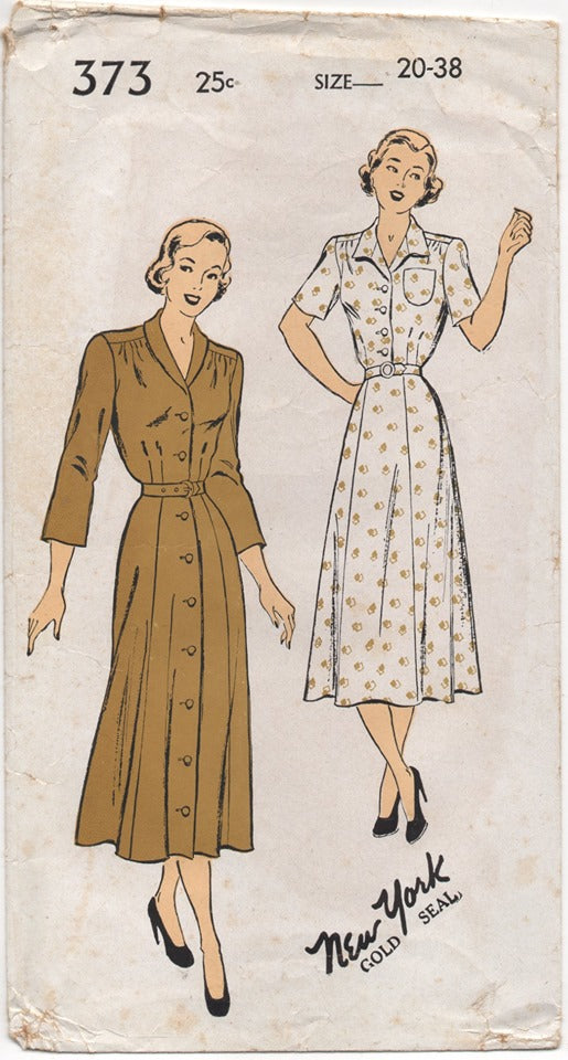 1940's New York One Piece Dress with Two Collar Styles - Bust 38