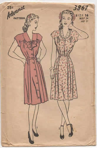 1940's Advance One Piece Dress with Moulded Shoulder and Bow pattern - Bust 34