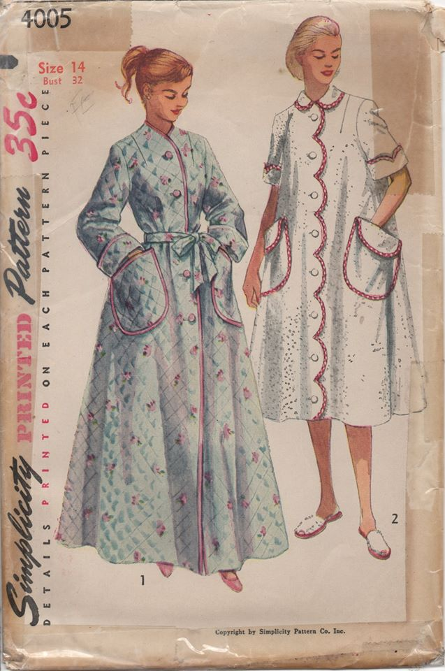 1950's Simplicity House Coat with Large Pockets and optional Scallop trim - Bust 32