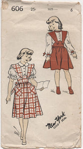"1940's New York Child's Pinafore with Scallop straps and Blouse - Chest 24"" - No. 606"