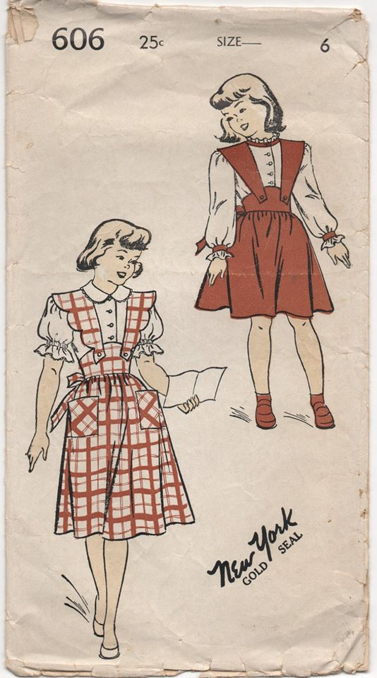 1940's New York Child's Pinafore with Scallop straps and Blouse - Chest 24