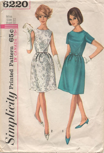 1960's Simplicity One Piece Dress with Waist Accent panels and Bow detail - Bust 32