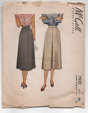 "1940's McCall Skirt with Pleated Front - Waist 28"" - No. 7032"