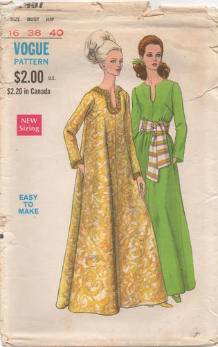 1960's Vogue Caftan with Long Sleeves and Pockets - Bust 38