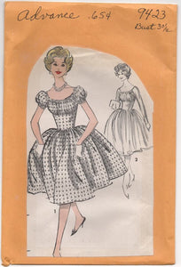 "1960's Advance One Piece Dress with Gathered Bust and Two Sleeve Styles - Bust 32"" - #9423"