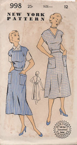 "1950's New York Full Apron with Two Necklines, Pockets and Button Back - Bust 30"" - No. 998"