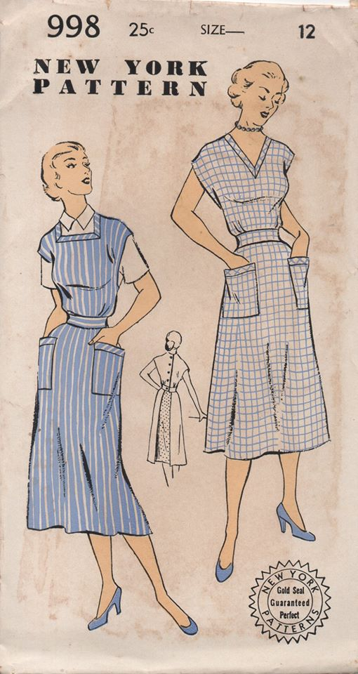 1950's New York Full Apron with Two Necklines, Pockets and Button Back - Bust 30