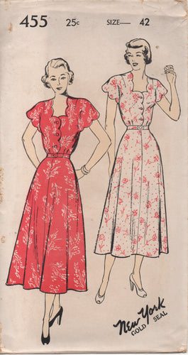 1940's New York One Piece Dress with Scallop Neckline - Bust 42