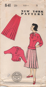 "1940's or early 50's New York Blouse with 3/4 Kimono Sleeves and Pleated Skirt - Bust 29"" - UC/FF - No. 841"