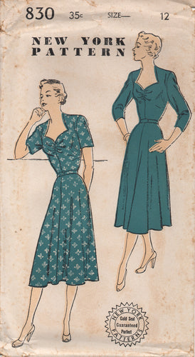 1950's New York One Piece Dress with Sweetheart Neckline and 3/4 or Short Sleeves - Bust 30