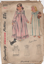 "1940's Simplicity Girl's Peignoir Nightgown - Breast 23"" - UC/FF - No. 2250"