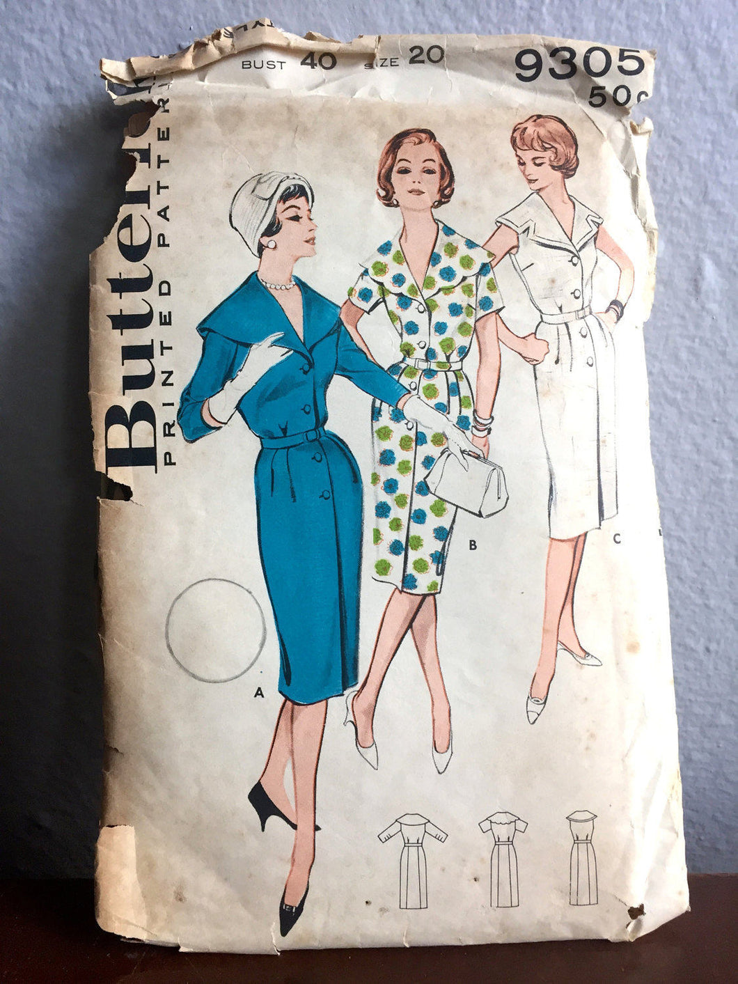 1960's Butterick One-Piece Dress with Oversize Collar and Button Up Front Pattern - Bust 40