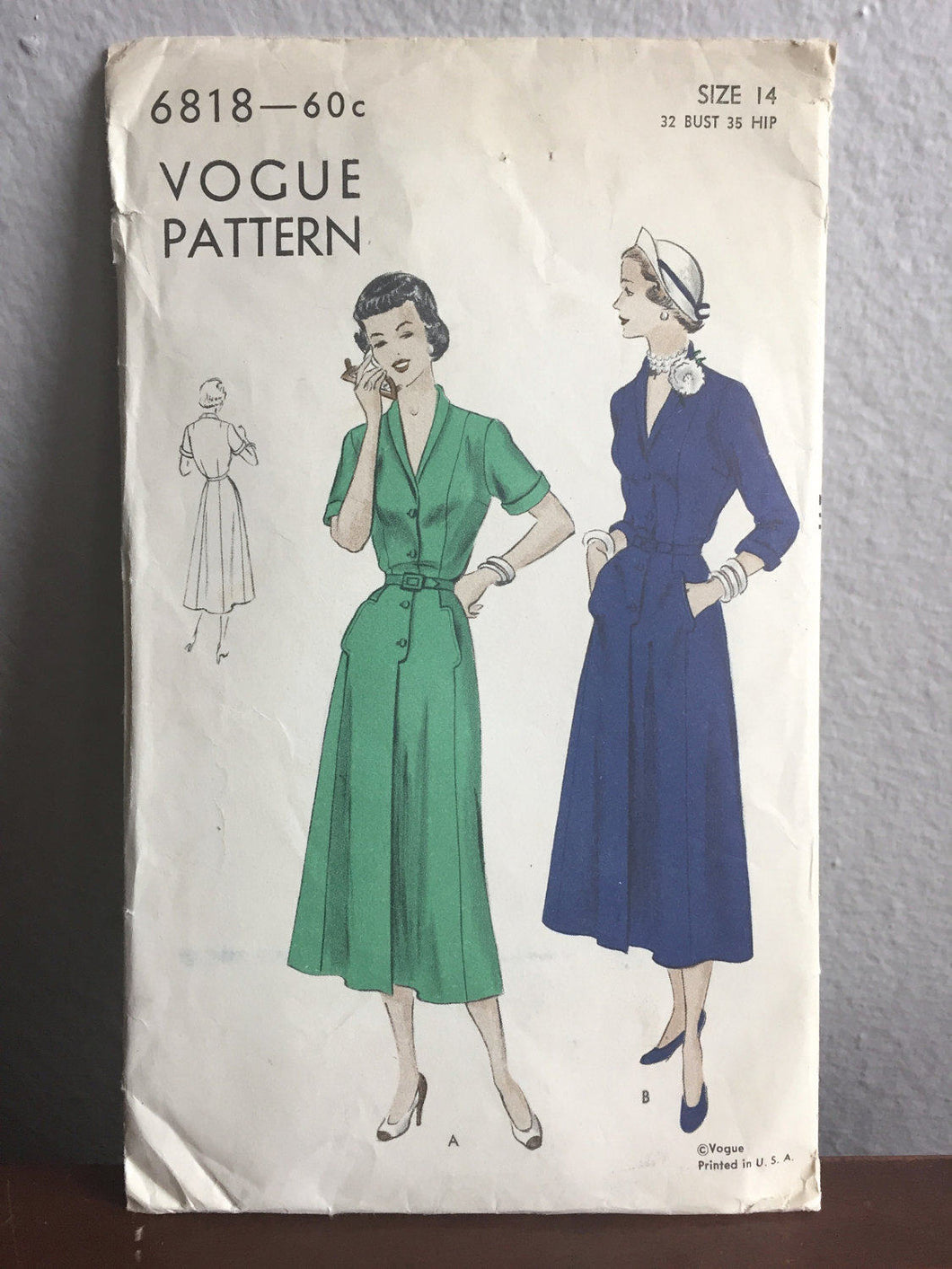 1940's Vogue Day Dress with Pockets and Button Up Front Pattern - Bust 32