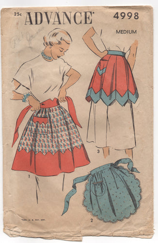 1940's Advance Scalloped Apron, Gored Apron or Apron with Contrasting Band Pattern - Waist 28-30