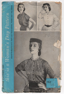 "1950's Women's Day Blouse with 3/4 Raglan Sleeves and Three Collar Styles - Bust 34"" - No.5001"