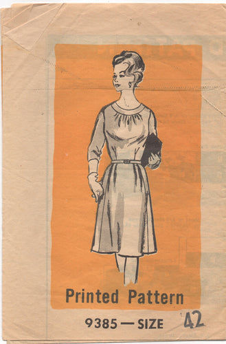 1960's Mail Order One Piece Day Dress with Bracelet sleeves and round neckline  Pattern - Bust 44