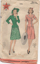 "Wartime 1940's Hollywood Two Piece Dress with Short Sleeves and Flared Skirt - Bust 30"" - No. 1093"