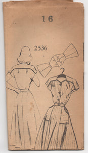 "1940's Mail Order One Piece Dress with Moulded Shoulders and Pockets - Bust 34"" - UC/FF - No. 2536"