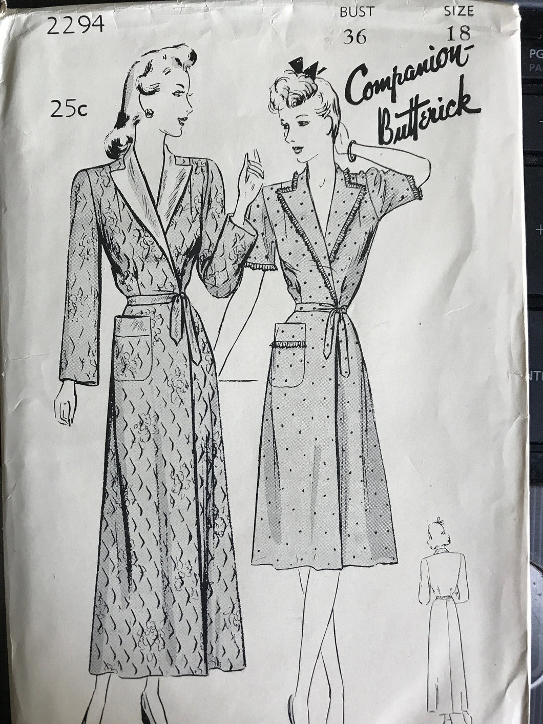 1940's Butterick Robe or Brunch Coat with Notched Collar - Bust 36